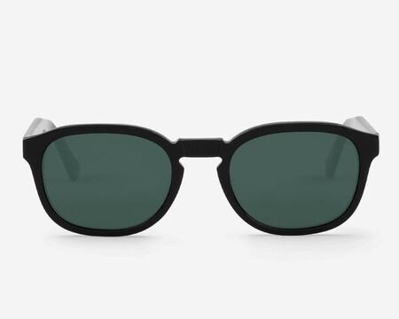 X Gafas De Sol Que Te Acompanaran Mas Alla Del Verano Que Encontraras Las Rebajas De Cortefiel