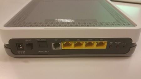 Trasera Router Fibra Telefonica 650