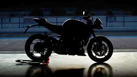 Este teaser confirma que habrá una nueva Triumph Street Triple RS en 2020, y será aún más afilada