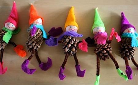 manualidades navidad elfos piñas