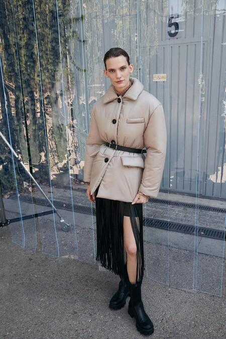 https://www.sfera.com/es/pre-black-friday-mujer/abrigos-y-chaquetas/chaqueton-acolchado-cinturon-06d01c0/04200/