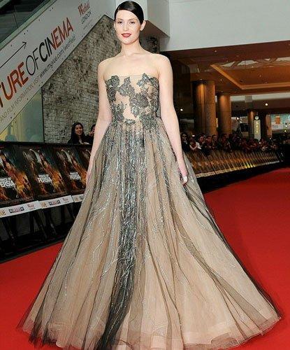 El look de Gemma Arterton en la premiere de El Príncipe de Persia