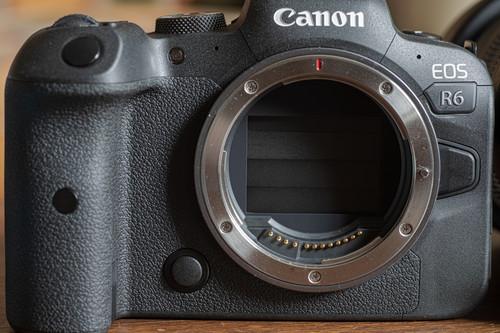 Nueva actualización de la Canon R6 para mejorar el problema de sobrecalentamiento