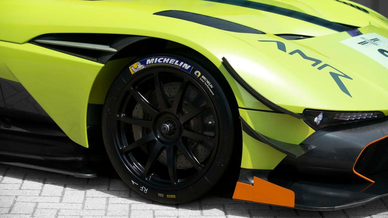 Foto de Aston Martin Vulcan AMR Pro (11/18)