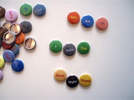 Mood Buttons, mensajes en chapas