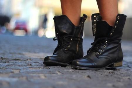 ¡Señor, sí señor! Nuestros pies mandarán esta temporada con botas militares