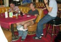 Kiefer Sutherland sufre el calor primaveral