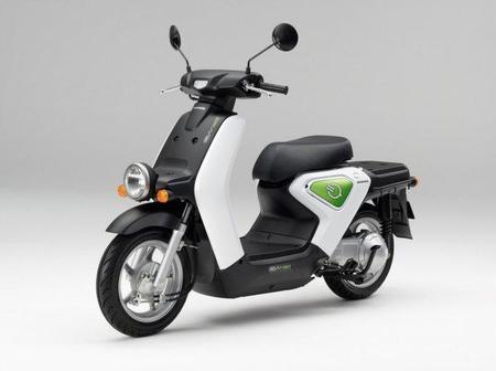 Honda arranca la comercialización del scooter eléctrico EV-neo