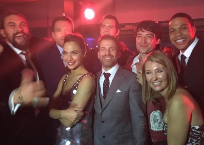Zack Snyder y los actores de La Liga de la Justicia en la premiere de Batman V Superman