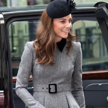Kate Middleton nos demuestra que el gris y el negro no son tonalidades aburridas