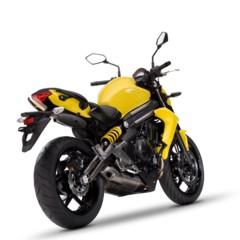 Foto 25 de 77 de la galería kawasaki-er-6n-2012-divertida-facil-y-con-estilo en Motorpasion Moto