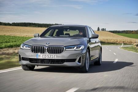 Los BMW Serie 3 y Serie 5 híbridos enchufables más baratos están al caer, ya tienen precio y contarán con etiqueta CERO y 204 CV