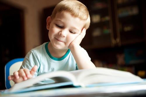 Los niños prefieren los libros en papel, y la ciencia les da la razón