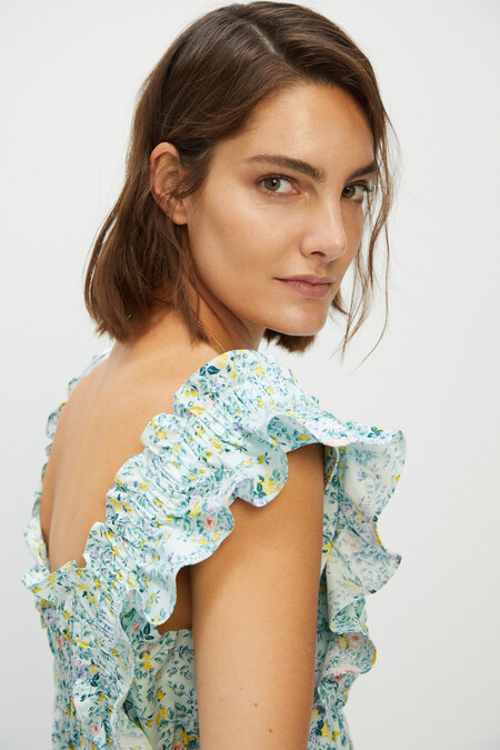 Cortefiel comienza sus terceras rebajas en las que encontrar estos 13 vestidos ideales para lucir todo el verano