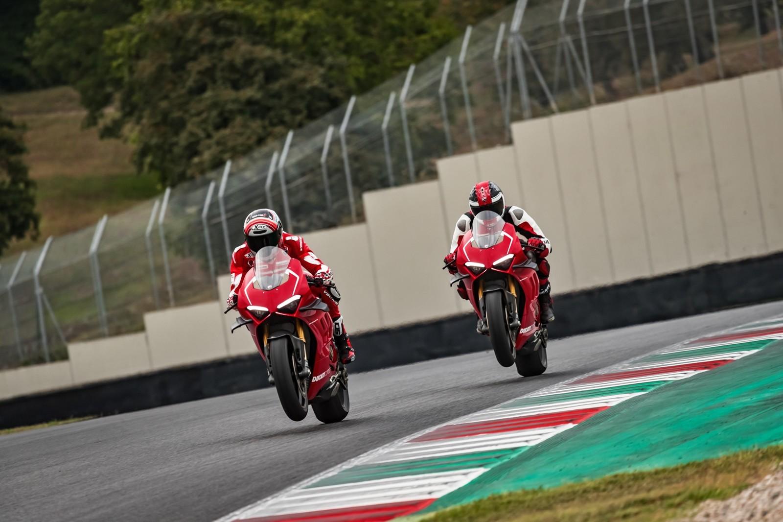 Foto de Ducati Panigale V4 R 2019 (43/87)