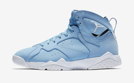 El Air Jordan 7 retro se reinventa como el ícono es que es y se pinta de azul
