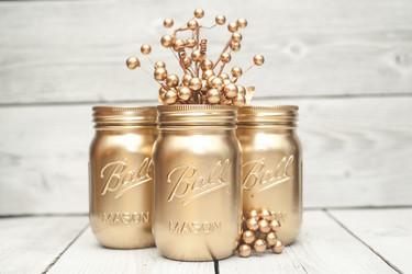 Cómo decorar con viejos tarros de cristal pintando en oro y plata