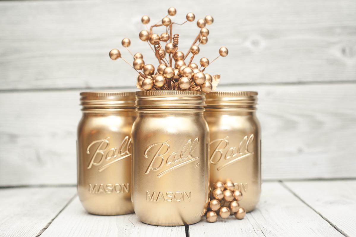 Cómo decorar con viejos tarros de cristal pintando en oro ...