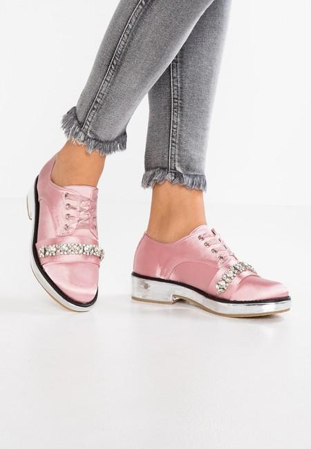 Estos vistosos zapatos Flo Mettallic Platform Blogue de Lost Ink están por 38,45 euros en Zalando