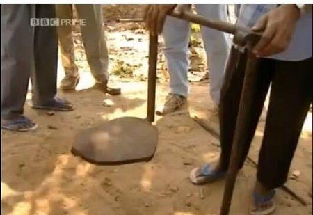 [Vídeo] El secreto de cómo levitan los yoguis de India