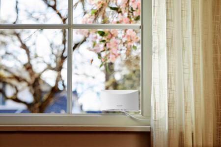Panasonic HomeHawk WINDOW pone una cámara de vigilancia en tu ventana con resolución Full HD