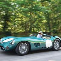 Este Aston Martin DBR1 que pilotó Stirling Moss podría rozar los 20 millones de dólares en subasta