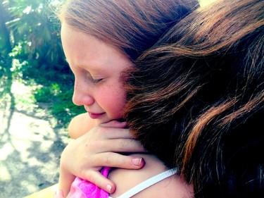 Pesadillas, ira, miedos : cómo puede afectar a un niño la noticia del atentado y cómo ayudarle