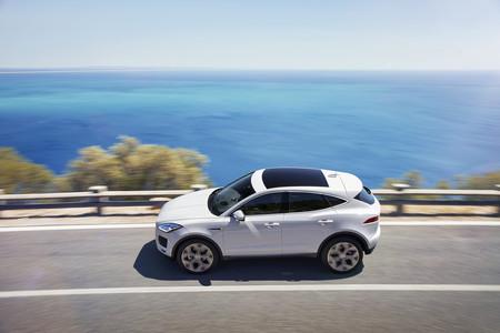 Jaguar E-PACE, el nuevo SUV compacto es un mini F-PACE con hasta 300 caballos