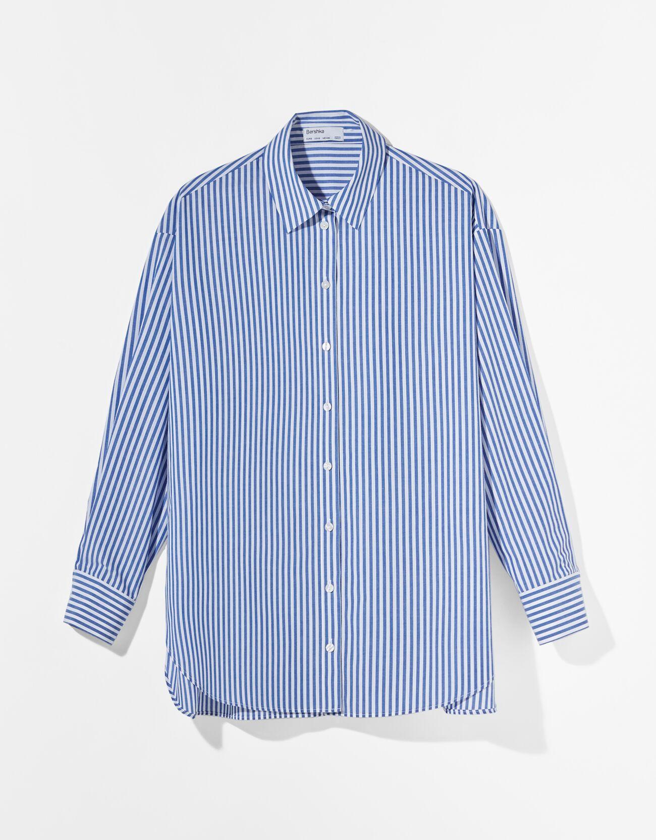 Camisa popelín oversize.