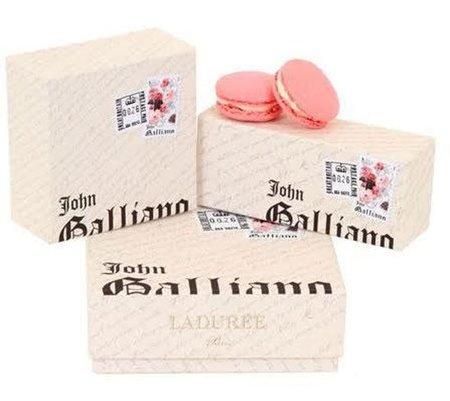 Una cajita golosa: los macarons Ladurée firmados John Galliano