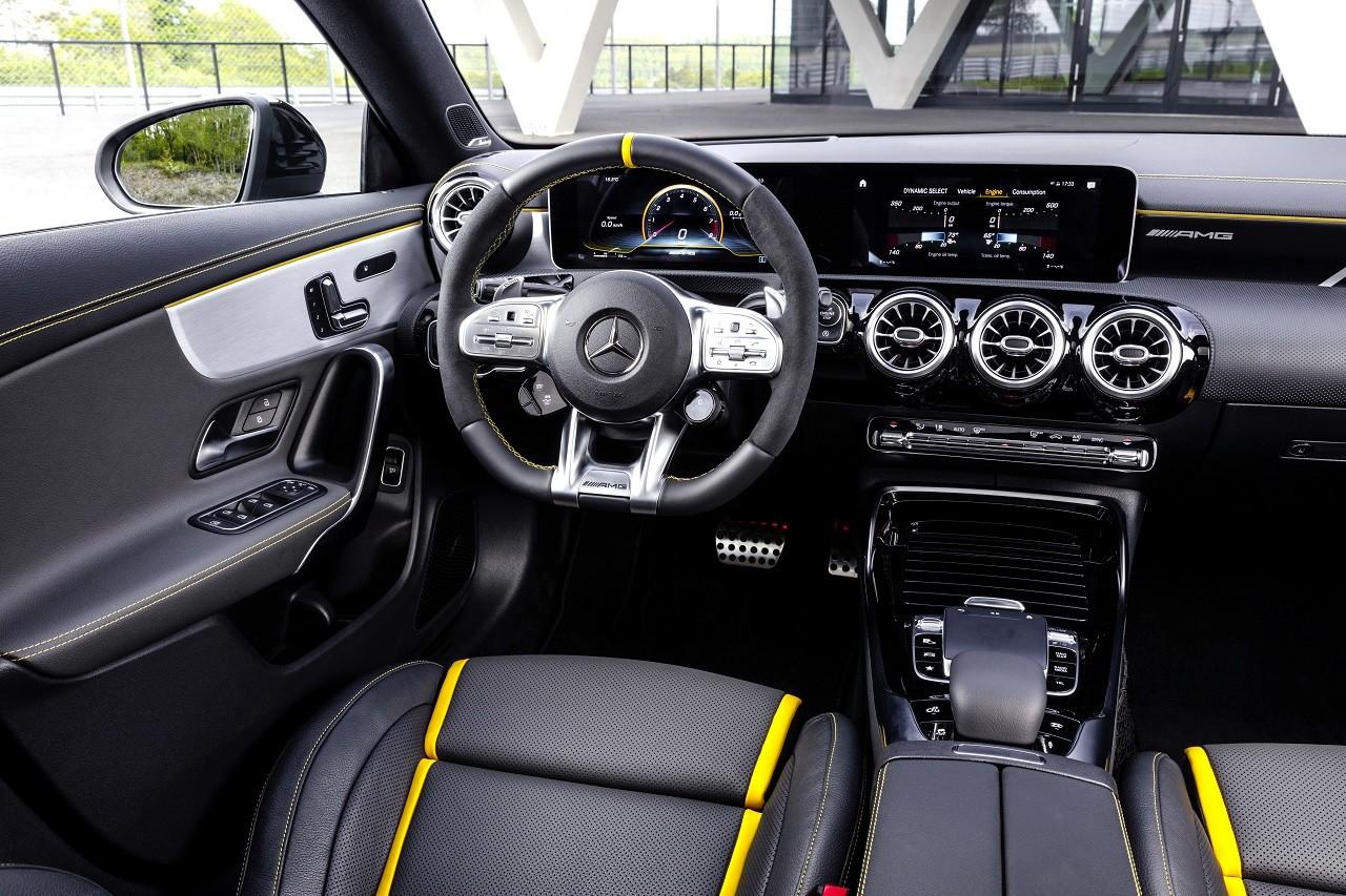 Foto de Mercedes-AMG CLA 45 4Matic (27/38)
