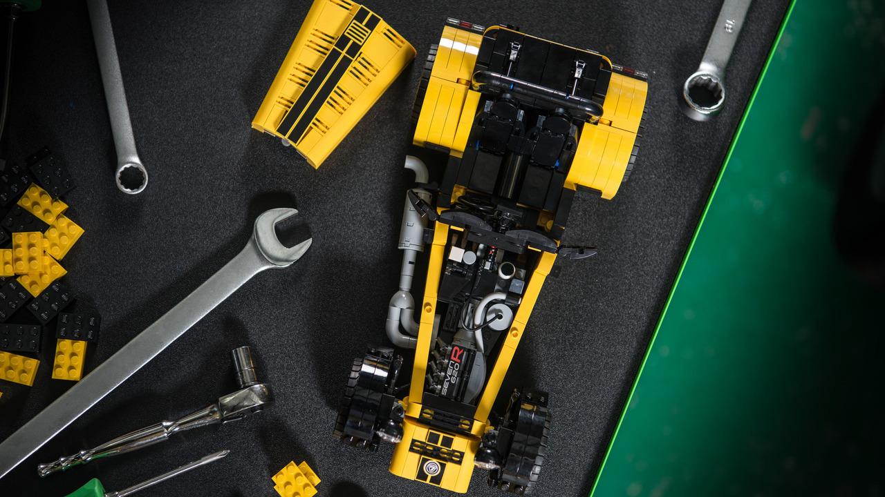 Foto de Caterham 620R LEGO (5/6)