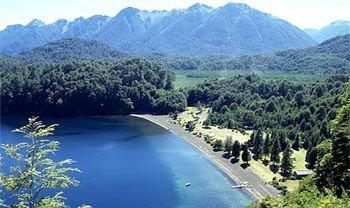 La ruta de los siete lagos en la Patagonia Argentina