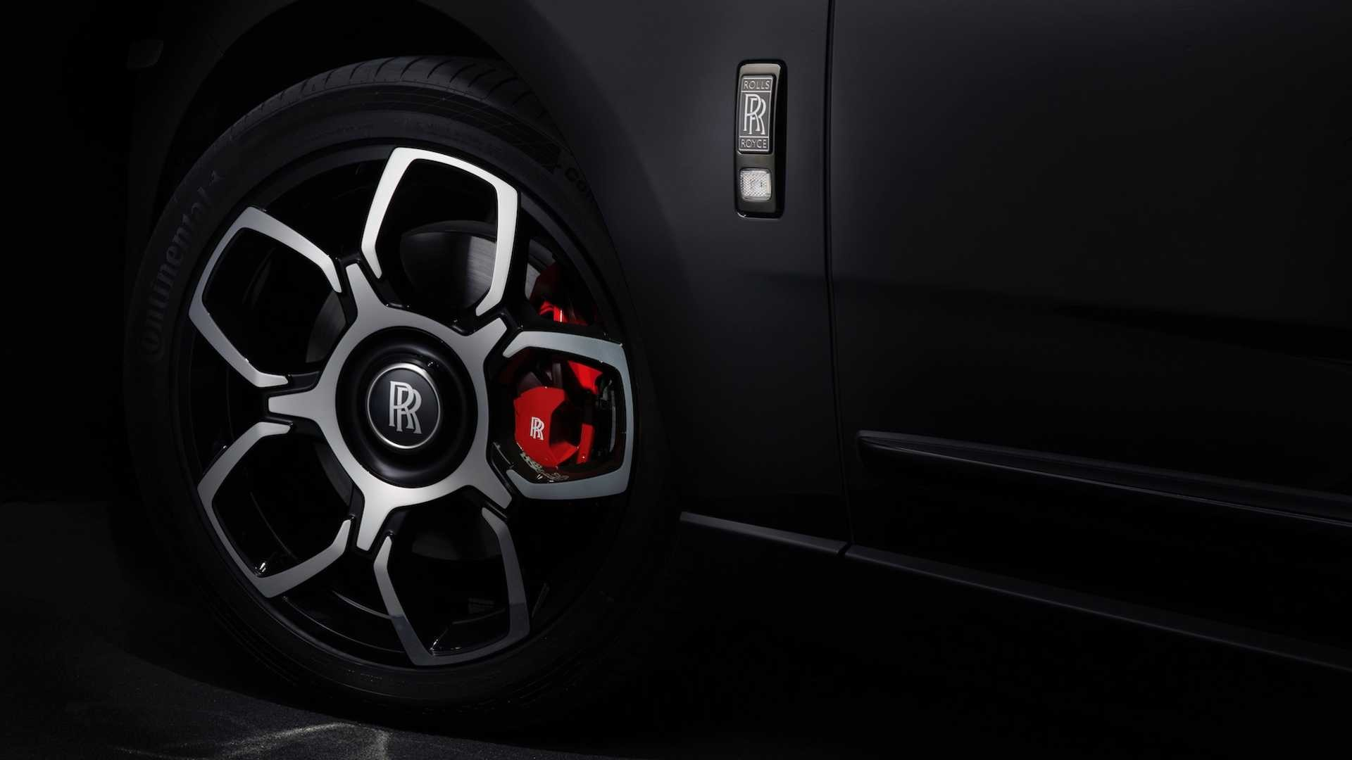 Foto de Rolls-Royce Cullinan Black Badge (22/26)