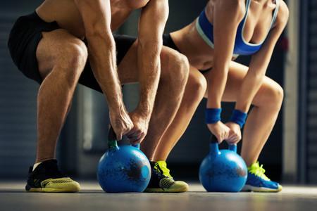 Los siete mejores ejercicios con kettlebells para trabajar todo tu cuerpo