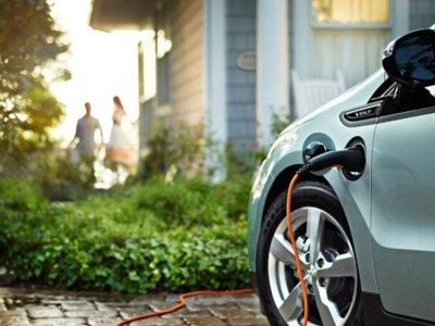 Los coches eléctricos e híbridos que te tentarán en 2015