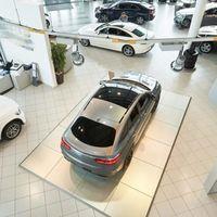 El Gobierno estudia un plan ayudas a la compra de coches eléctricos y de combustión, dotado de 300 millones de euros