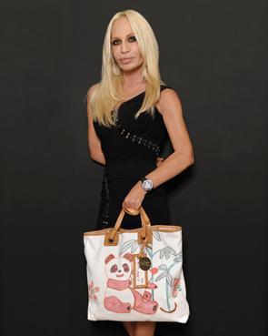 Bolso solidario de Donatella Versace