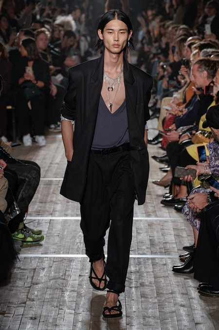 Black Deep V Neck Men Trend Spring Summer 2020 04