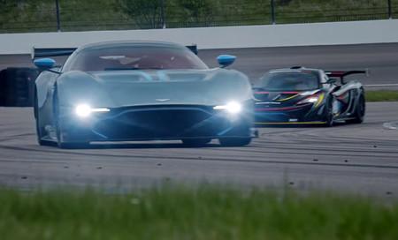¡Batalla en circuito!: McLaren P1 GTR vs Aston Martin Vulcan, en vídeo
