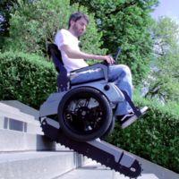 Para esta silla de ruedas, las escaleras ya no serán un obstáculo