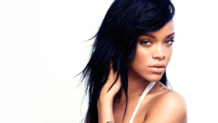 Sin noticias del nuevo disco de Rihanna, al menos tenemos los de la BSO de Home