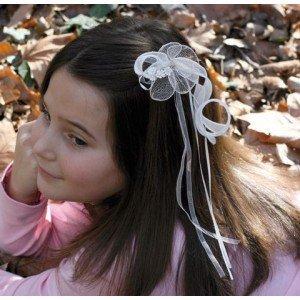 Los mejores adornos para el pelo de las niñas que toman la Primera Comunión en \u0026quot;tocados de novia\u0026quot;
