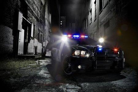 2011 Dodge Charger Pursuit, ¡arriba las manos!