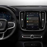 """El Volvo XC40 es el primer coche eléctrico con Automotive OS, el """"Android para coches"""" de Google con Play Store incorporada"""