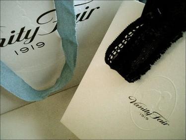 Las blogueras con Vanity Fair: fundamental ir a la moda también por dentro