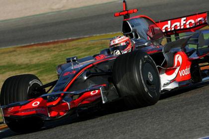 Kovalainen por delante de los Ferrari en Valencia