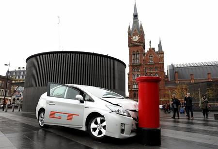 El street marketing de 'The Grand Tour' tiene al Toyota Prius como víctima