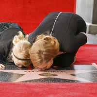 Amy Adams celebra junto a su hija su estrella en el Paseo de la Fama de Hollywood ¡Qué tiernas!