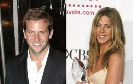 Jennifer Aniston tiene una cena romántica con Brad... ¡Cooper!